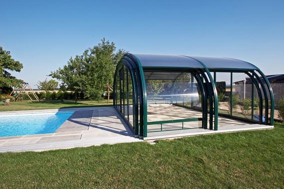abris piscines cintr s fabricant piscines loisirs. Black Bedroom Furniture Sets. Home Design Ideas